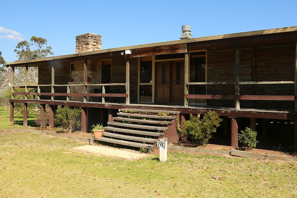 Stay in the heart of Wollombi village at Friar Jurd's